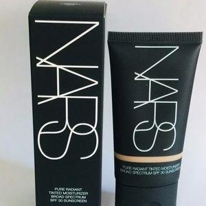 NARS Radiant Tinted Moisturizer SPF 30 NEW…